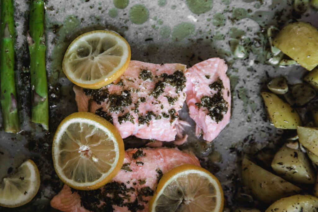 One pan meals – Salmon with potatoes and asparagus