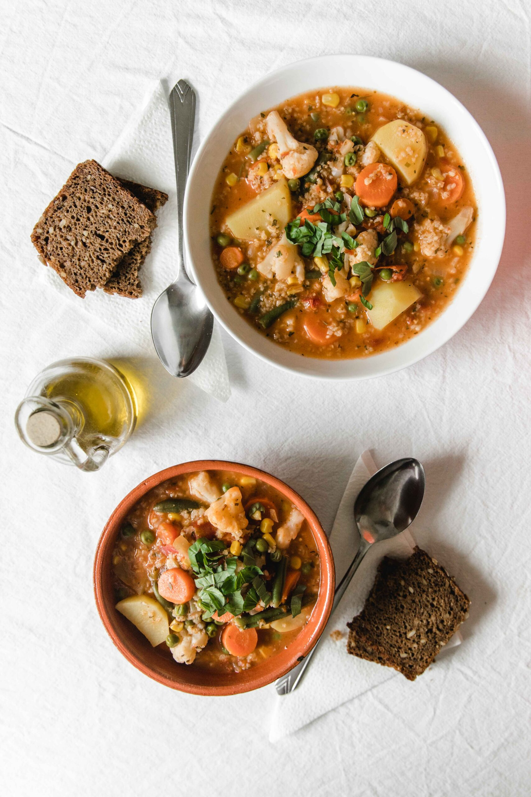 One pot meals vegetable soup with cauliflower