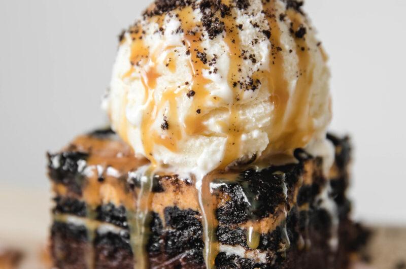 Pumpkin Oreo Cheesecake Brownies