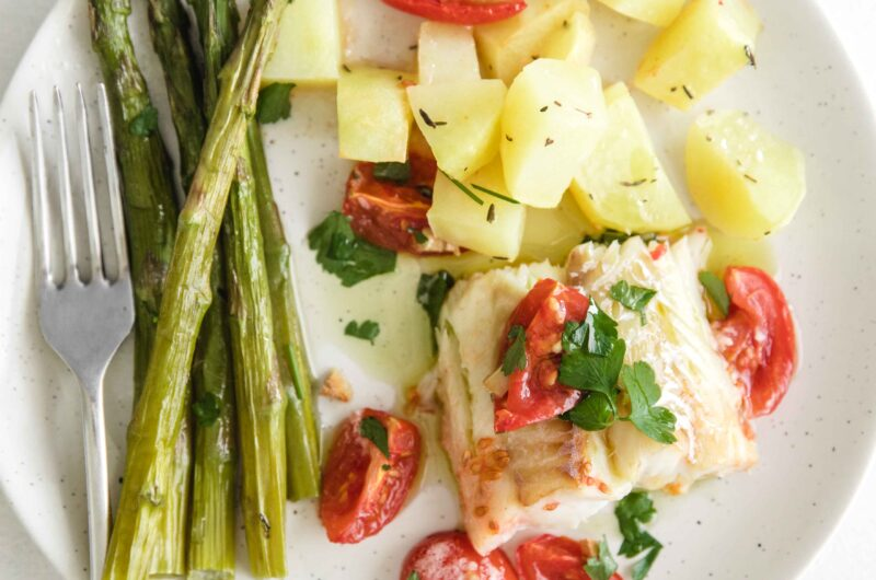 Baked Cod With Garlic Vegetables